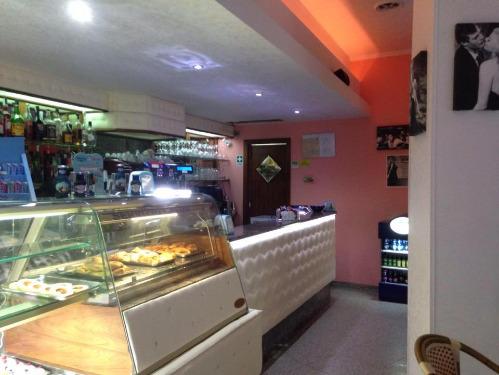 sale retailer ec75e 35b23 Bar Pasticceria La Dolce Vita